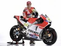 Ducati-MotGP-Team-2015-Iannone-7