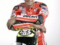 Ducati-MotGP-Team-2015-Iannone-8