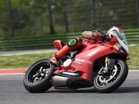 Ducati-Panigale-R-Davide-Giugliano-1
