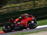 Ducati-Panigale-R-Davide-Giugliano-2