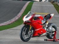 Ducati-Panigale-R-Fronte-Laterale-Sinistro