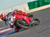 Ducati-Panigale-R-in-Pista-1