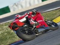 Ducati-Panigale-R-in-Pista-2