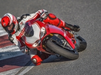 Ducati-Panigale-R-in-Pista-8