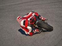 Ducati-Panigale-R-in-Pista-9
