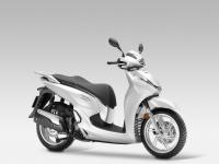 Honda-SH300i-ABS-2015-Pearl-Cool-White-1
