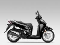 Honda-SH300i-ABS-2015-Pearl-Nightstar-Black-2