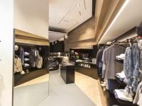 Mercedes-me-Store-9