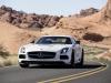 Mercedes-SLS-AMG-Black-Series-White-Davanti