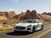 Mercedes-SLS-AMG-Black-Series-White-Muso