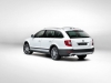 skoda-superb-combi-outdoor-dietro