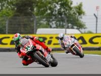 Superbike-2015-Donington-Gara-1-Davide-Giugliano
