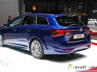 Toyota-New-Avensis-Ginevra-Live-1