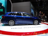 Toyota-New-Avensis-Ginevra-Live-4