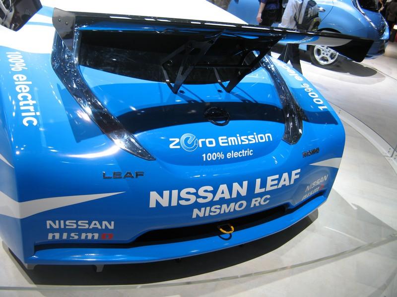 L'auto da corsa elettrica la Nissan LEAF Nismo RC