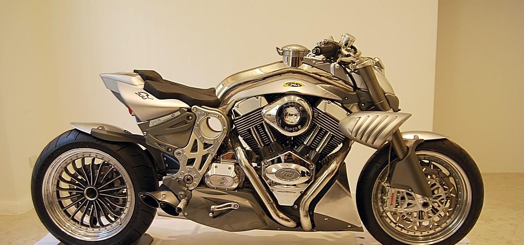La CR&S DUU l'incrocio tra lo stile motociclistico italiano ed americano