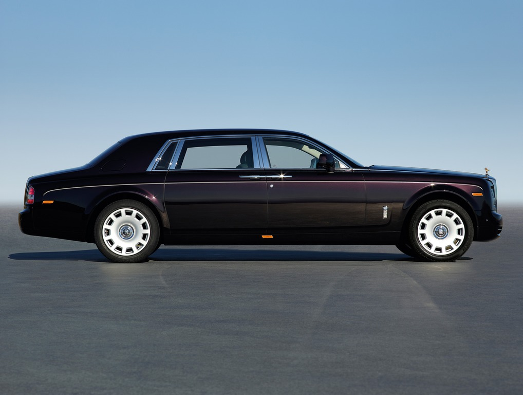 Presentata a Pechino la Rolls Royce Phantom Series 2 passo lungo