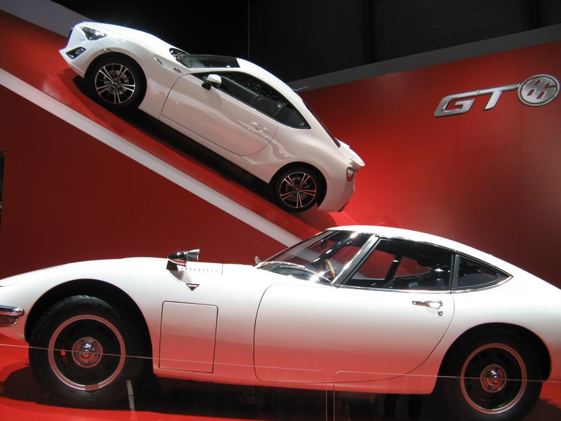 4 filmati per spiegare il design della GT86 Toyota