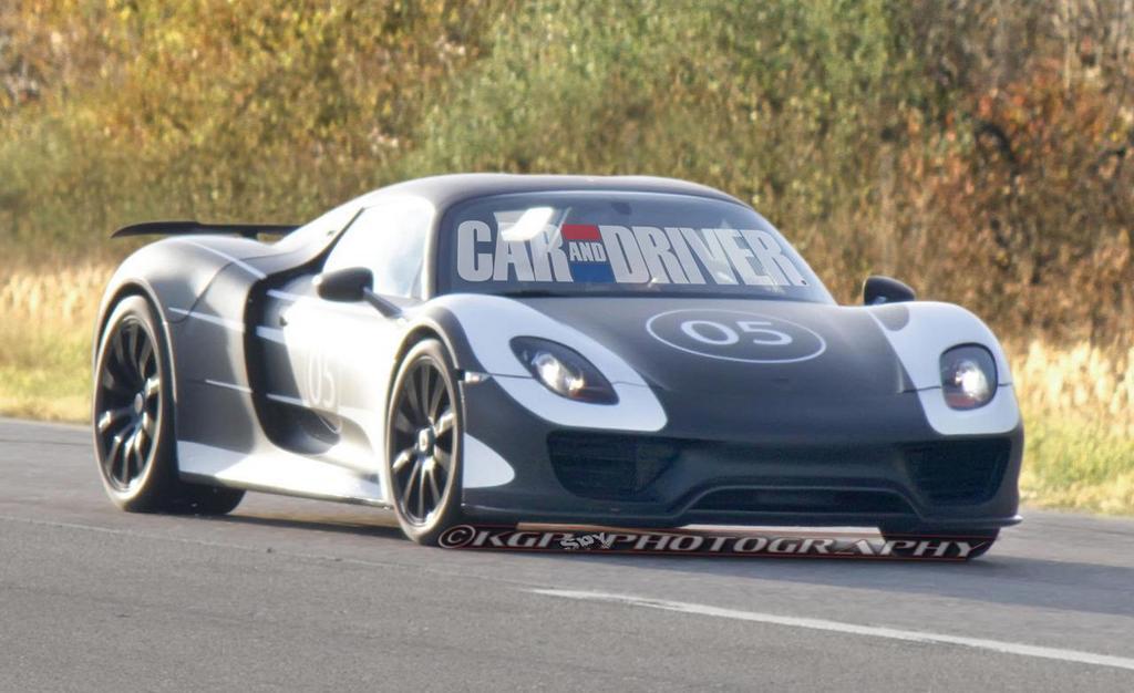 La nuova supercar Porsche 918 spiata