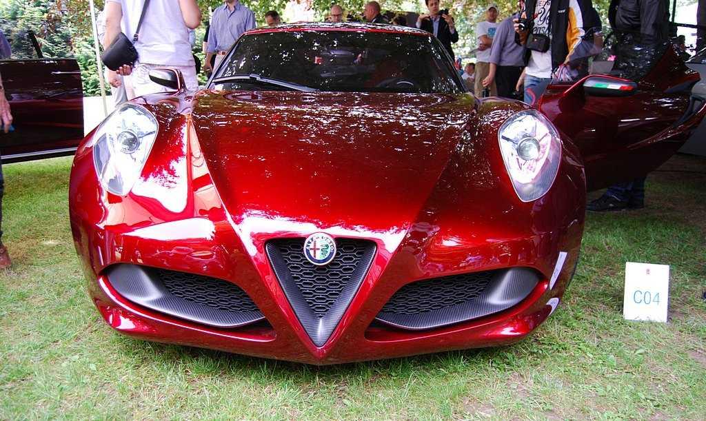 Alfar Romeo 4C confermata