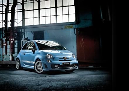 Fiat 500 elettrica due creazioni uniche della garage for Garage mercedes corse