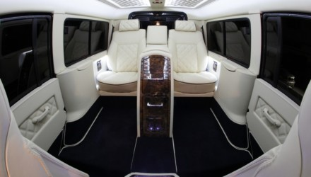 Carisma Auto Design Defender Interni