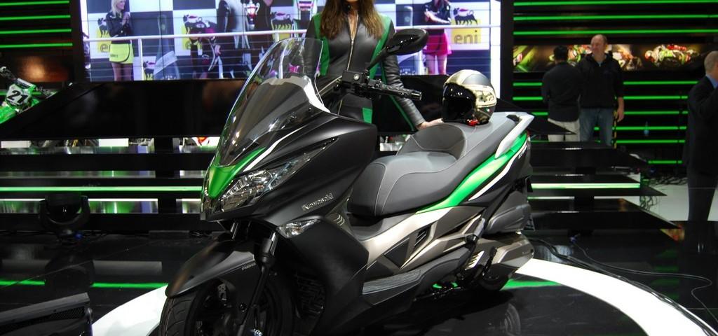 Kawasaki J300 Eicma 2013 Live