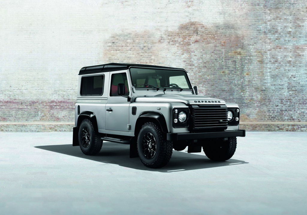 Land Rover Defender Black Pack