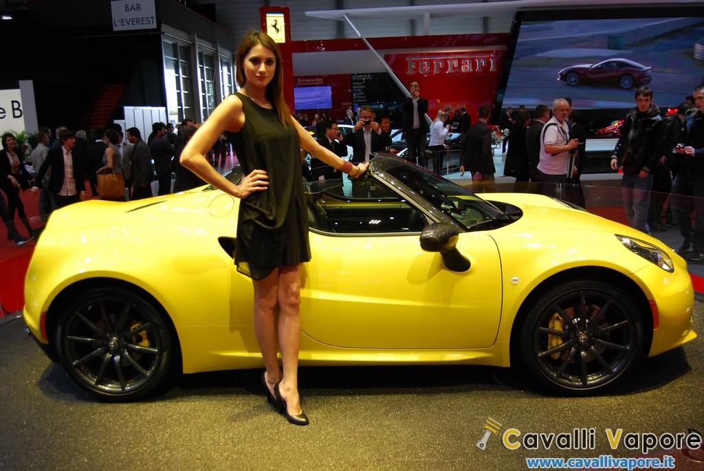 Alfa Romeo 4C Spider Ginevra Live