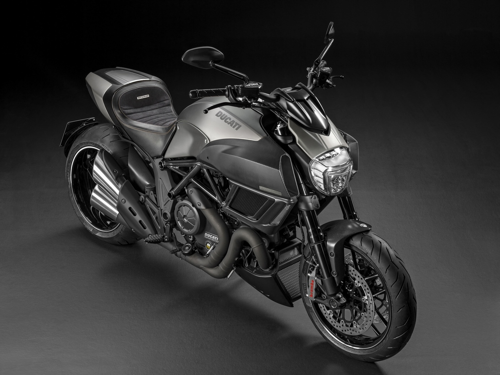 Ducati Diavel Titanium