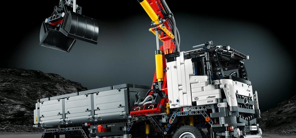 Mercedes Benz Arocs LEGO Technic