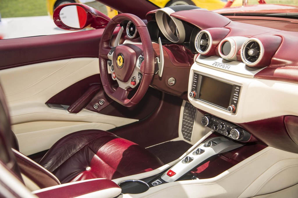 Ferrari California T Tailor Made Interni