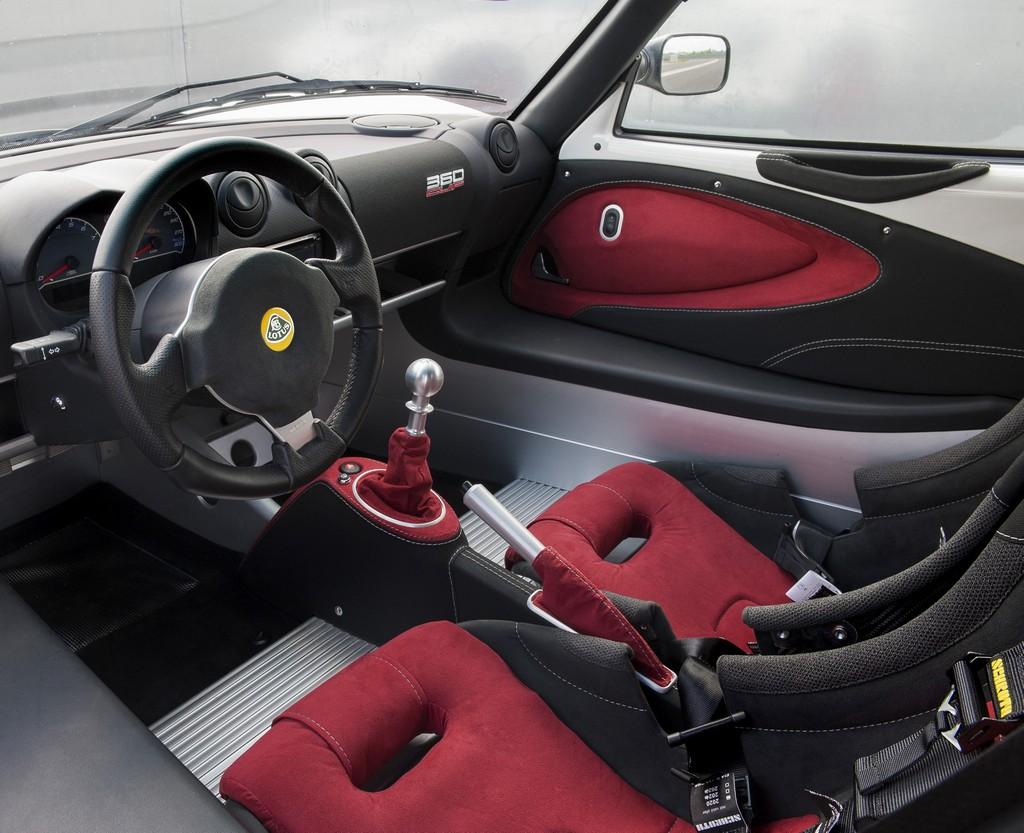 Lotus Exige 360 Cup Interni Alcantara Rosso