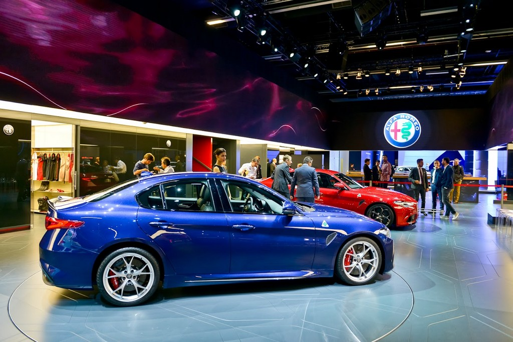Alfa Romeo Giulia Quadrifoglio Blue Stand Alfa Romeo Francoforte