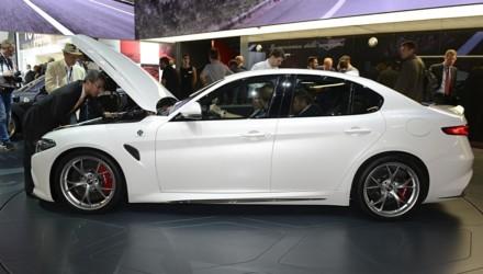 Alfa Romeo Giulia Quadrifoglio Nuova BIanca Lato Francoforte