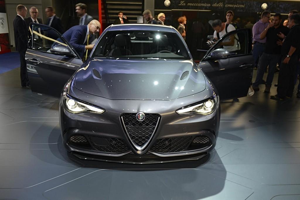 Alfa Romeo Giulia: A Francoforte anche la storia | Cavalli ...