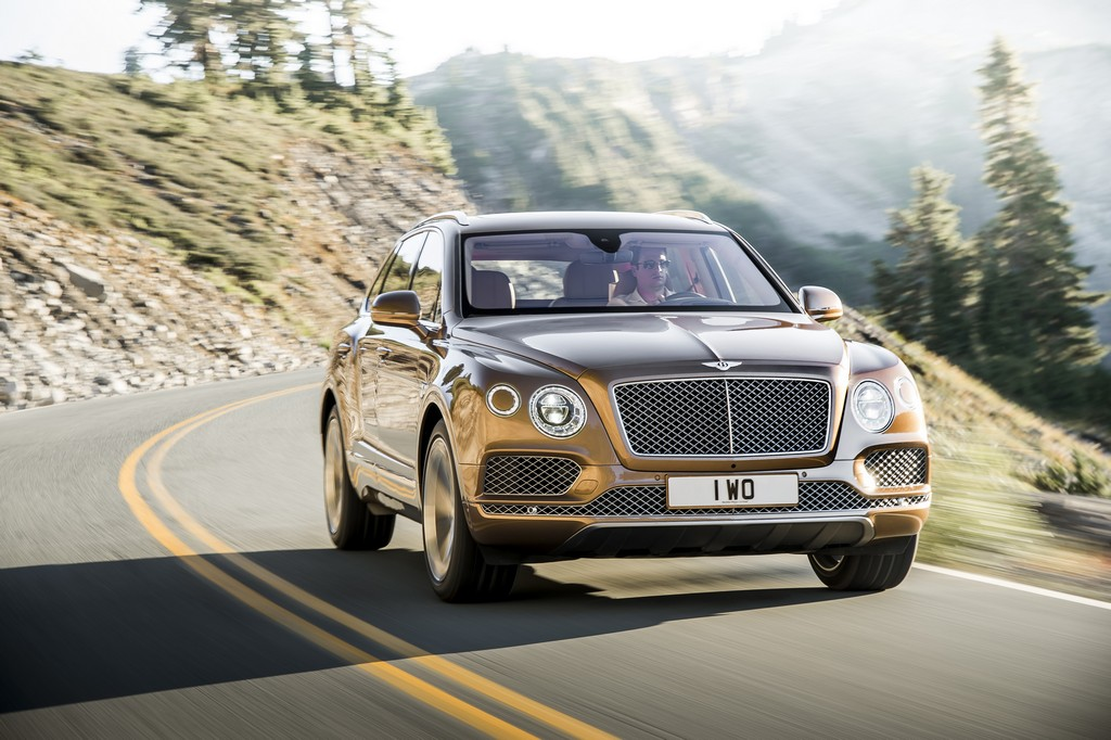 Bentley Bentayga Davanti Dinamica