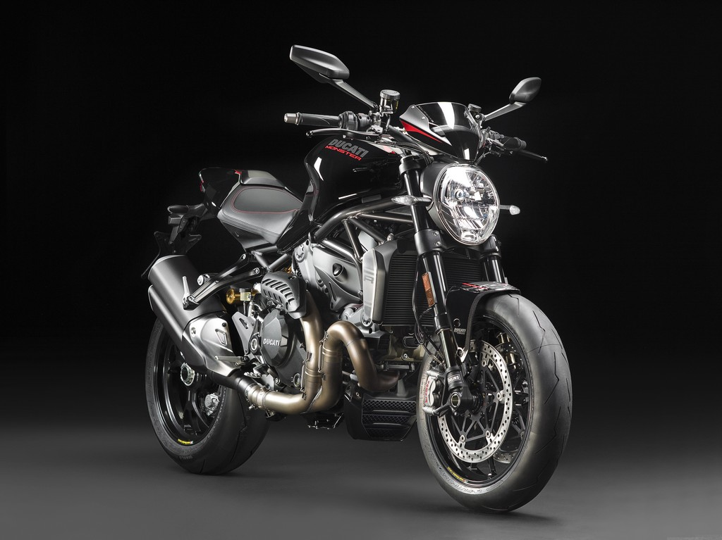 Ducati Monster 1200 R Nera