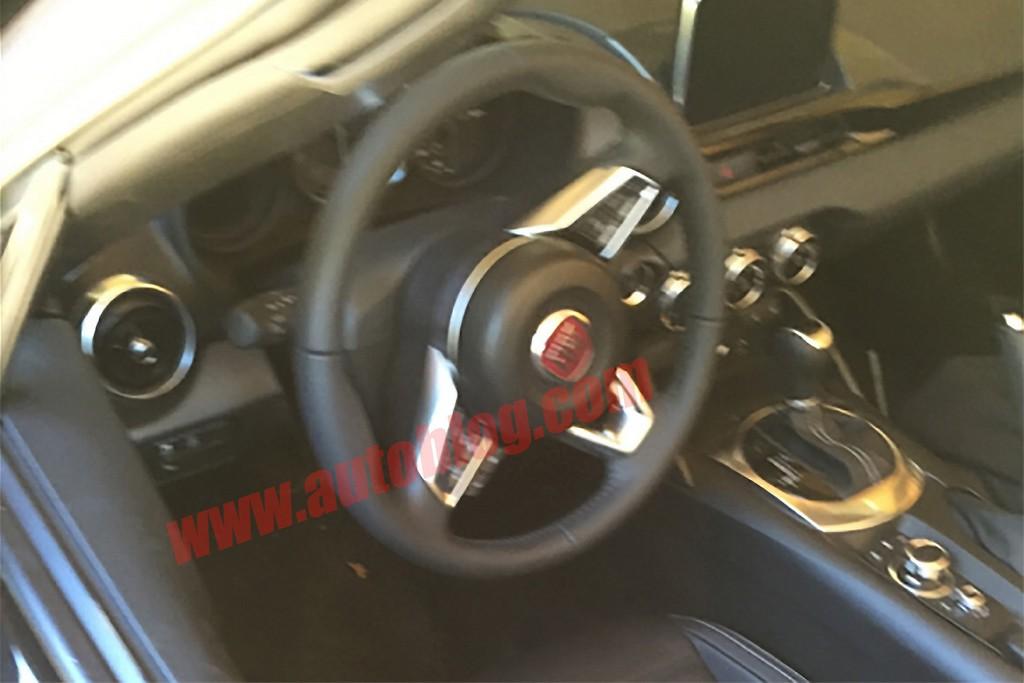 Fiat 124 Spider Lato Spia