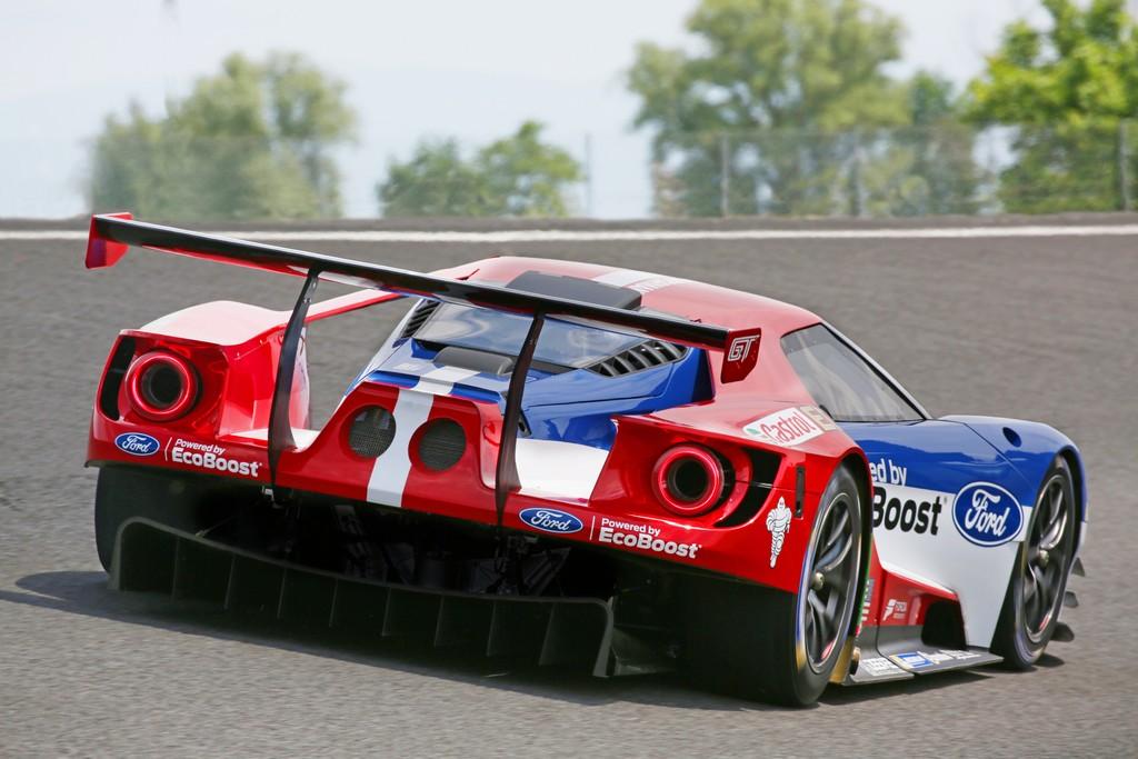 Ford GT Competizione Davanti