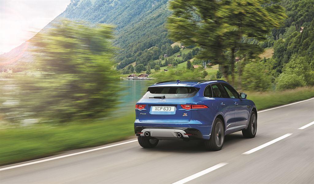 Jaguar F-Pace Blue Dietro