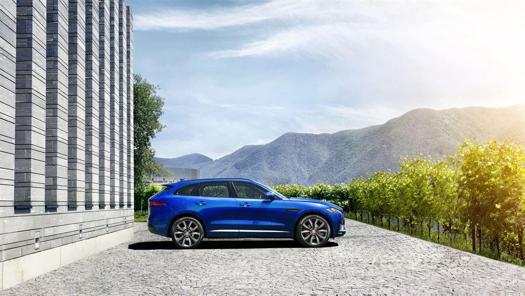 Jaguar F-Pace Blue Lato Destro