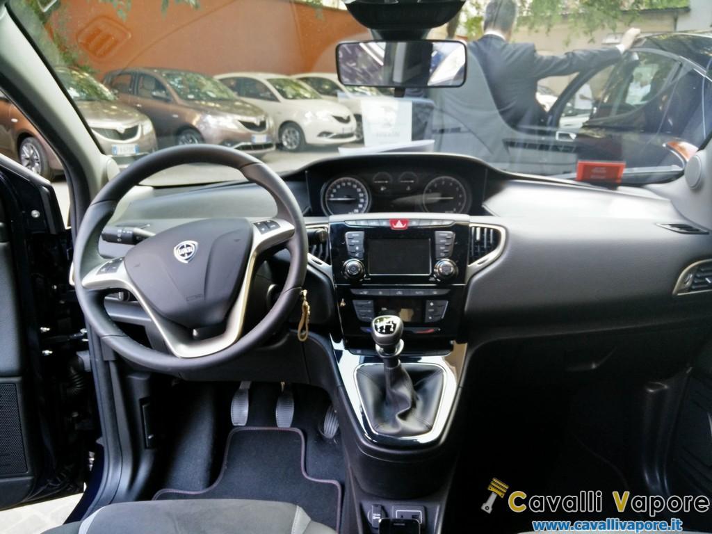 Nuova Lancia Ypsilon 14