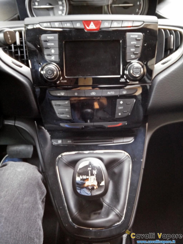 Nuova Lancia Ypsilon 32