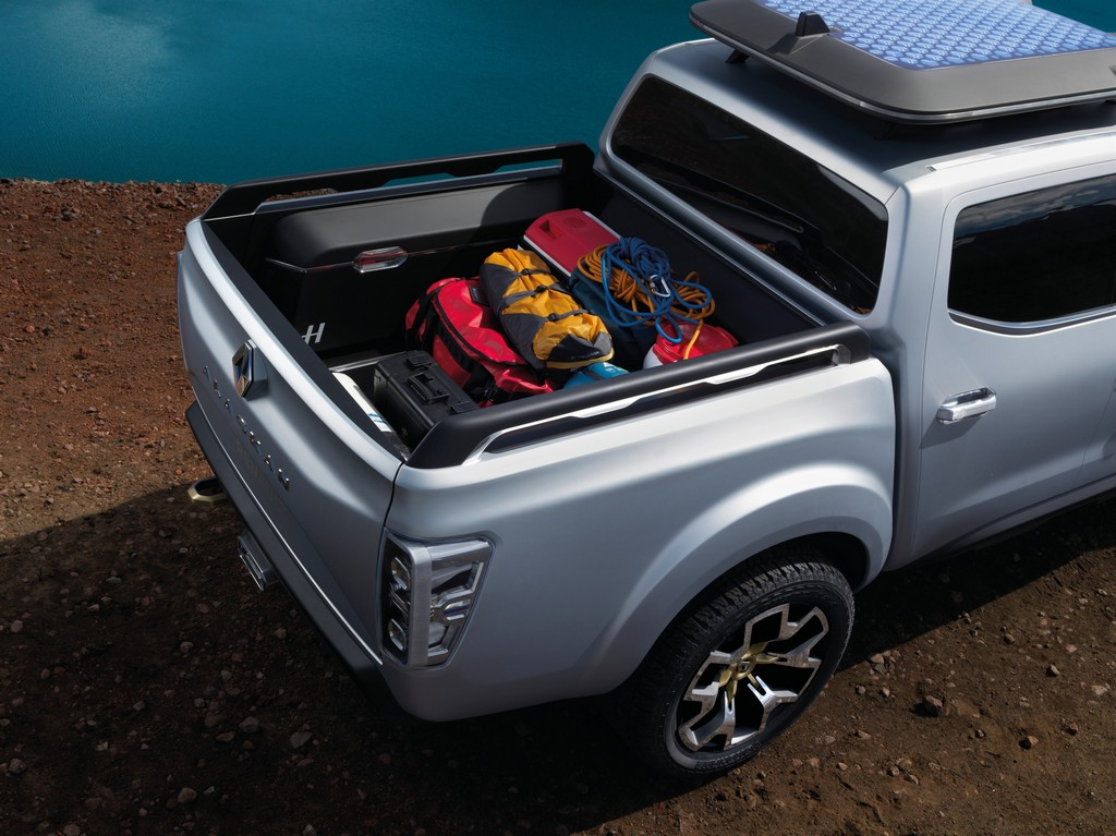 Renault Alaskan Concept Carico