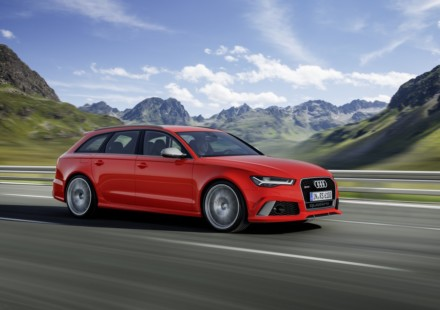 Audi RS 6 Avant Performance In strada