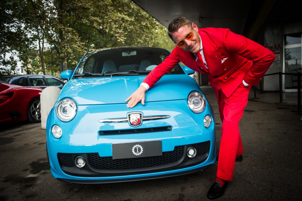 Garage italia customs inaugura la nuova sede a milano for Garage fiat 500