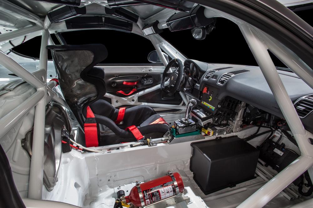 Porsche Cayman GT4 Clubsport Lato Passeggero