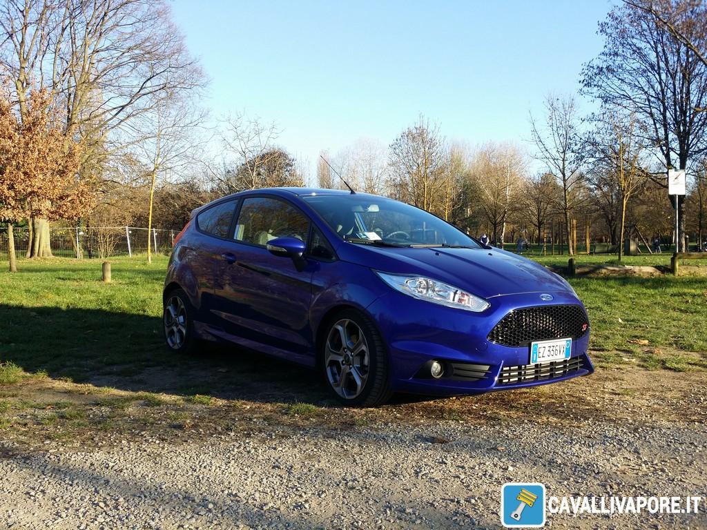 Ford Fiesta ST Tre Quarti Destro