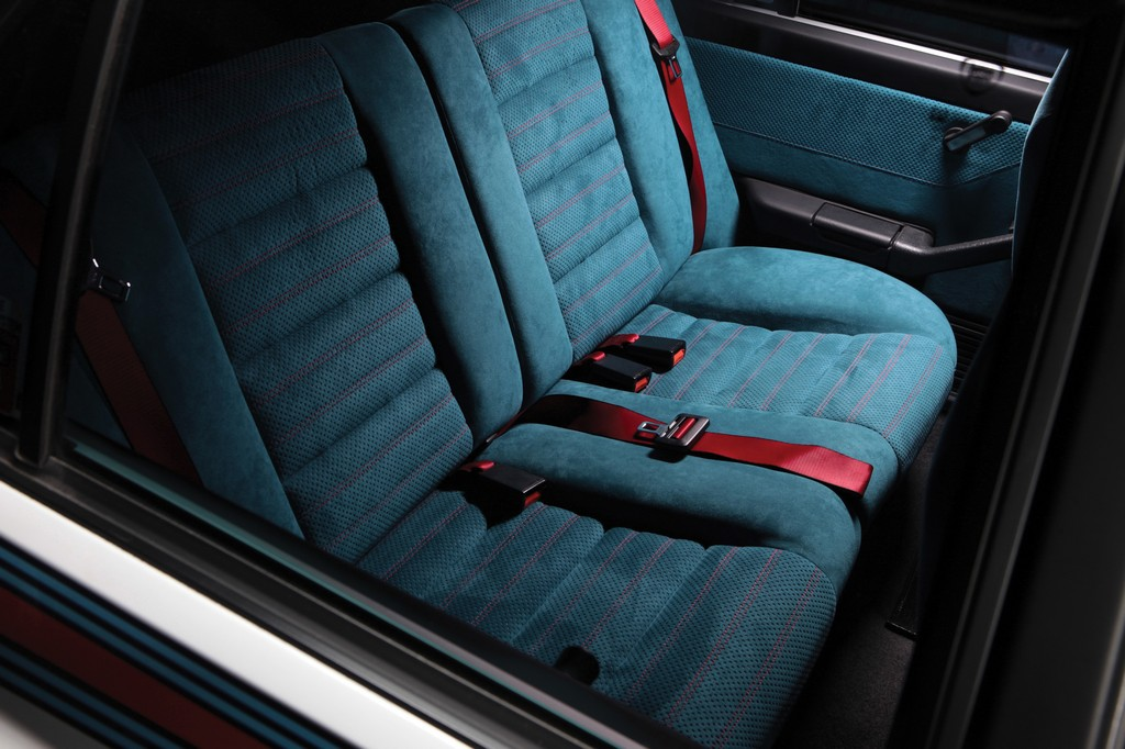 Lancia Delta HF Integrale Martini 6 Sedili Posteriori